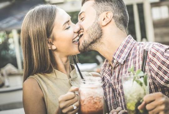 【現代的女人不再等愛,錯過的無法重來!快學主動說愛的三個技巧!】