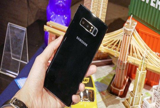 三星 Galaxy Note8 黑色版本近日在台灣推出