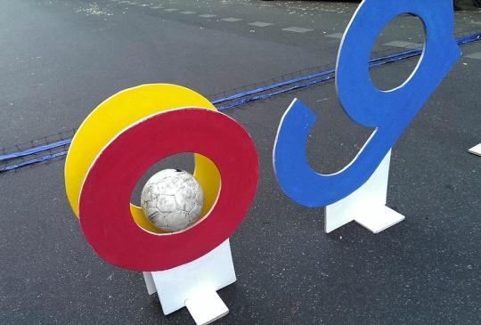 Google 相簿開始收費,營收可以噴出一家 NETFLIX ?