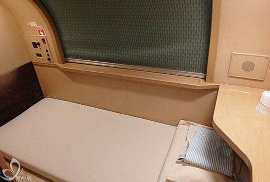【自助日本的三種體驗~投幣洗澡水、機場休息室、臥鋪火車】