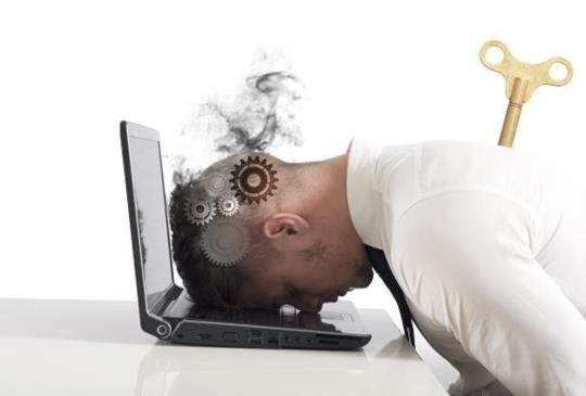 【警報!記憶力衰退?變笨?上班族容易出現的五大症狀】