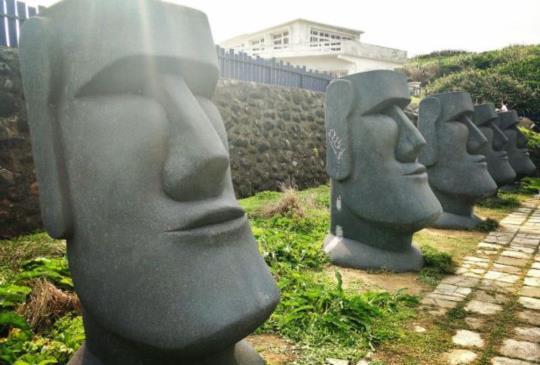 【新北】風靡全球的摩艾石像,除了智利,在台灣也享有噢~