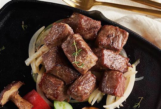 【西堤牛排】想吃免費「牛肋排」, 快看看你的身分證有沒有1或8!