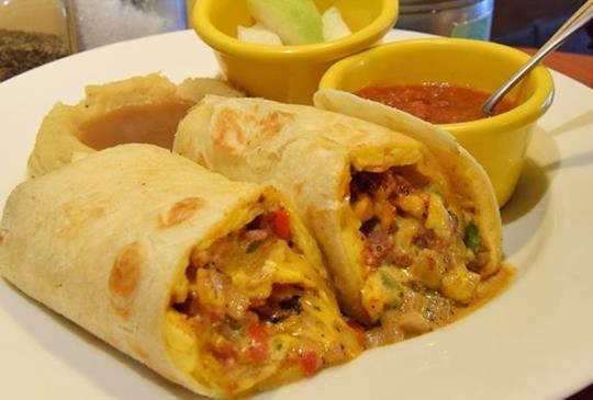 全天候早午餐!品嚐傳統美式料理 【Michinodiner米奇諾美式餐廳】