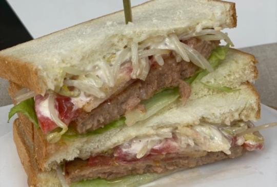 全聯食譜之爸爸回家做晚飯 - 黑豬肉三明治