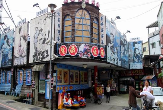 夾雜日式風情的客家山城老街-南庄。桂花巷
