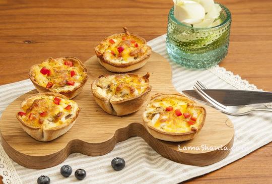 夏日簡單派對輕食 -- 焗烤酥脆小鹹派 & 甜橙培根帆船沙拉
