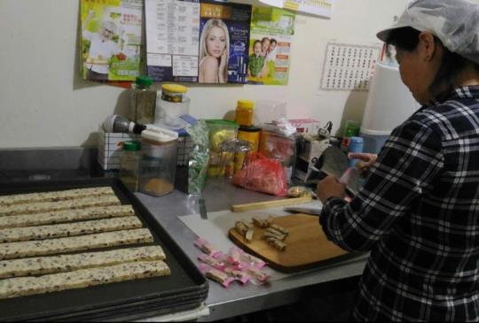 「品軒烘焙坊」堅持新鮮的良心小店,先訂再做不囤貨