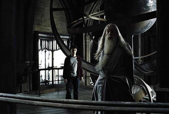 【霍格華茲也教黑魔法?揭露《哈利波特》系列隱藏於校園的黑暗魔力!】