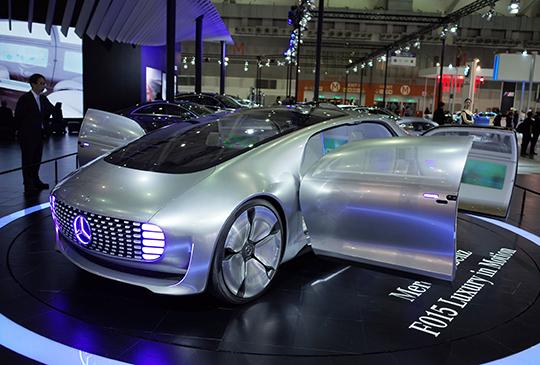 Mercedes-Benz F 015 現身世界新車大展,開啟你對未來移動世界的想像