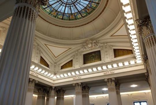 希臘式建築的台灣博物館,有羅馬柱廊、金庫的土銀展示館 台北旅遊景點
