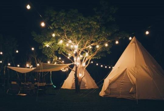 免搭帳棚絕美豪華露營秘境!一起體驗在星空下烤肉、泡溫泉!