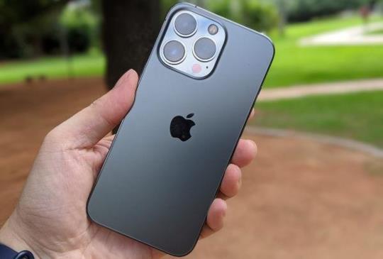 饒富趣味的微距攝影、電影級錄影體驗,iPhone 13 Pro 石墨黑開箱動手實拍
