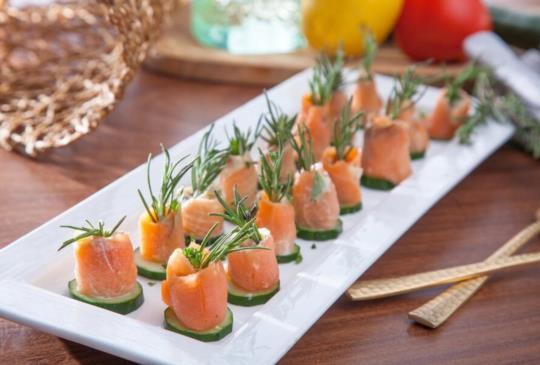 低醣料理 {蔬菜} 煙燻鮭魚起司捲
