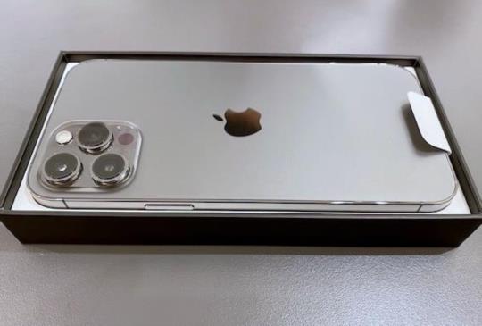 iPhone 12 Pro Max 石墨色,首批上市開箱