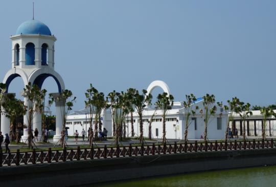 希臘建築的南寮漁港 魚鱗天梯 可坐小火車的內灣合興車站(愛情火車站) 新竹旅遊景點