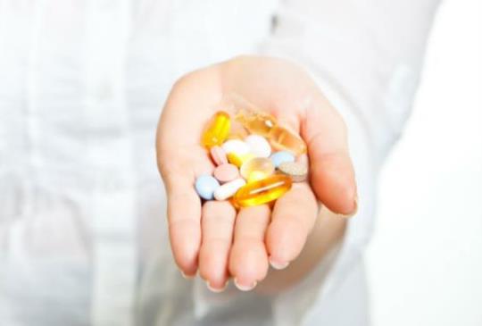 【《醫生自己不吃的藥》:經常服用營養補給品,容易罹癌!?】