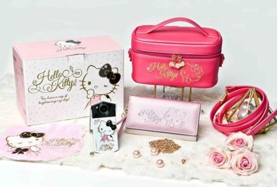 CASIO EX-TR70 結盟三麗鷗,發表 Hello Kitty 夢幻圖騰限量款
