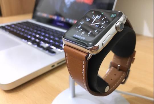 Apple Watch 充電好幫手,JustMobile 高質感立架比一比