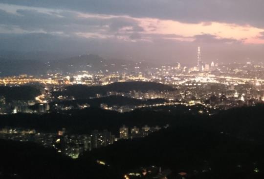 【碧山巖】日夜皆美麗的台北後花園山林小旅行
