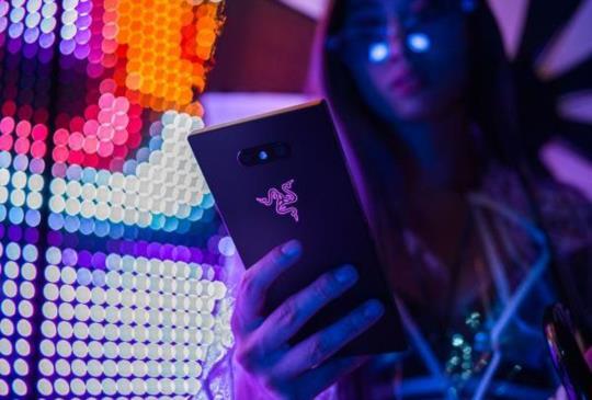 強化散熱及效能,Razer 新一代電競手機 Razer Phone 2 亮相
