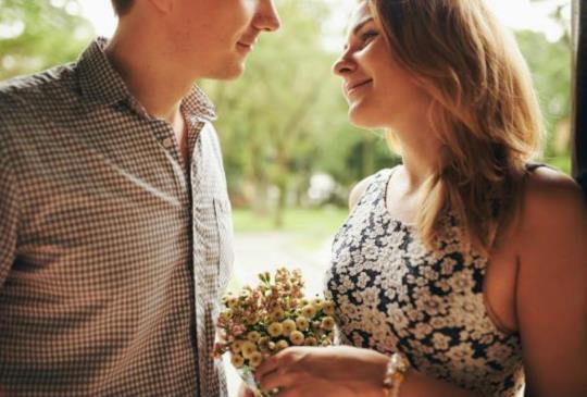 【相信愛能克服遠距離,不管多遠都能在一起。這3個是遠距離戀愛要避免的壞習慣,讓愛能一直在彼此心中吧】