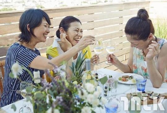 再好的友情還是會「淡掉」?專家教你6個經營友情的超有用方法!