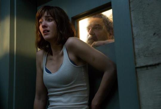 【新聞】《科洛弗10號地窖》車禍過後 女主角居然在神秘的地窖醒來?!