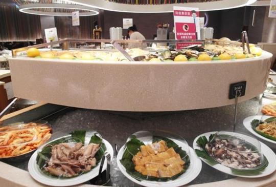 全台最受歡迎吃到飽自助餐廳─漢來海港餐廳│母親節禮物、生猛海鮮、現做點心、豪華百匯