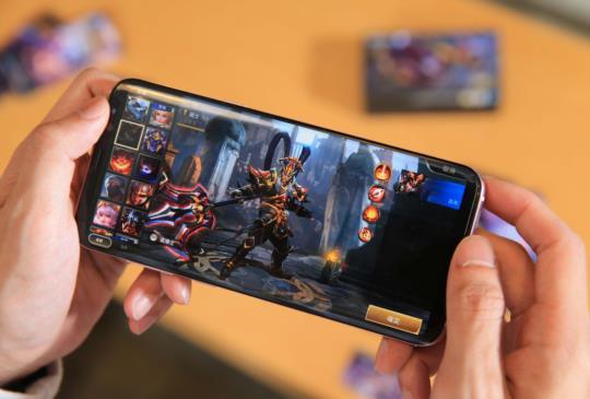 三星 Galaxy S8 系列與《Garena 傳說對決》聯名限量組預購中