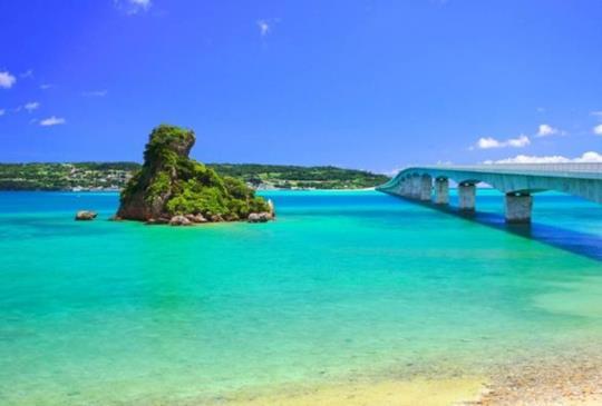 【去沖繩別忘了開車到『古宇利島』享受Tiffany藍的浪漫海景】