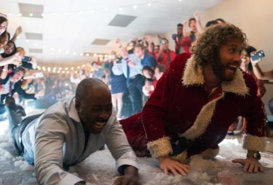 【新聞】《聖誕搞轟趴》辦公室聖誕趴 珍妮佛安妮斯頓和傑森貝特曼五度連手搞笑