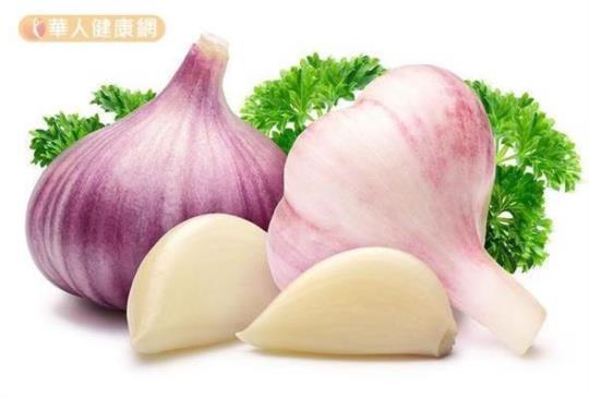 【大蒜護肝、降膽固醇…做到這1招吃出滿滿抗癌力】