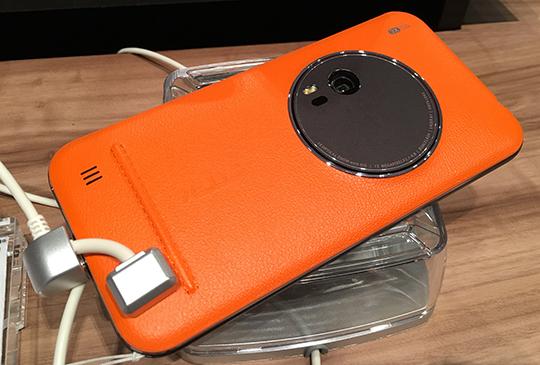 華碩 ZenFone Zoom 與 ZenWatch 2 即日起推出,手機電信方案月中登場