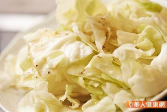 超神奇高麗菜湯減肥,一週甩6公斤?減重名醫:蛋白質、澱粉千萬不能缺