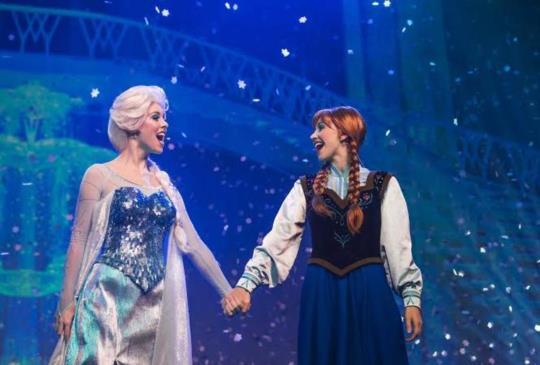 「冰雪奇緣」冰雪小鎮於香港迪士尼樂園盛大登場
