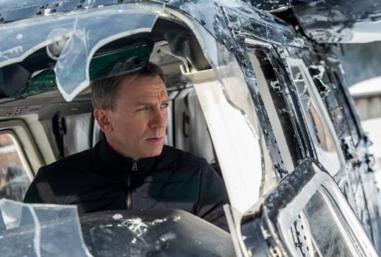 【《007惡魔四伏》 史上最磅礡動作場面 驚險刺激直逼限制級標準】