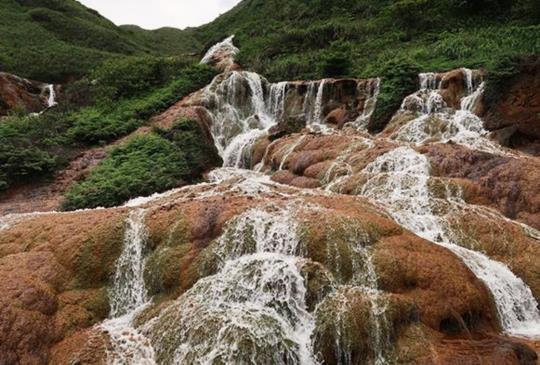 【金瓜石】驚艷輕旅行,輕鬆看山觀海趣:黃金瀑布+報時山步道