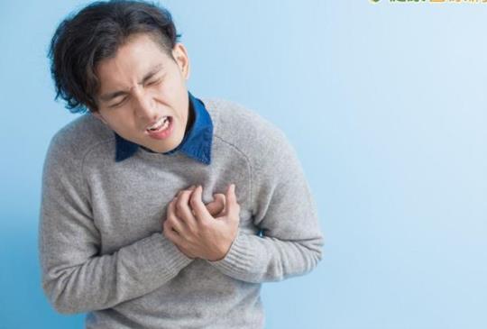 【30歲廚師兩年內經歷5次急性心肌梗塞 每半年進心導管室救命】