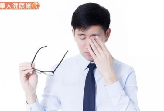眼皮跳是腦中風前兆?中醫「天眼八步」助舒緩,出現4狀況速就醫
