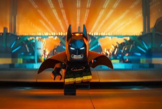【樂高蝙蝠俠電影】愛秀蝙蝠俠 要阿福隨時錄影!