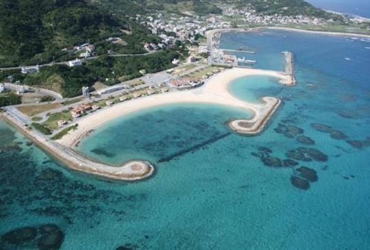 【Say Yes 百分百!求婚必勝的空中散步】沖繩新玩法-直升機觀光