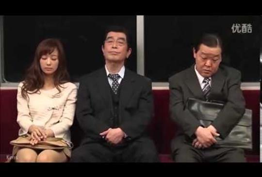 【走到哪睡到哪,日本特有的打瞌睡文化】