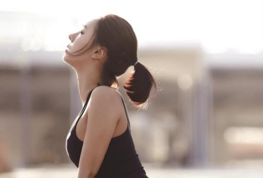 【韓國爆紅快速甩肉5分鐘輕肌力運動,4週立刻變身女神!】