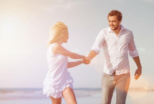 【女人要對自己的眼光有信心,別去和他人比較愛情,3件事讓妳檢視付出的愛是否值得】
