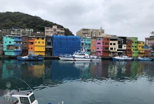 【基隆IG打卡夯景點】正濱漁港 - 可愛的繽紛彩色小屋