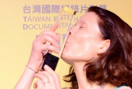 【新聞】奪影展40萬最大獎《奧斯陸少年有點煩》導演親自揮毫中文片名
