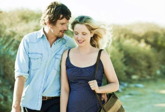 《愛在午夜希臘時》茱莉、伊森想拍到老變《愛.慕》