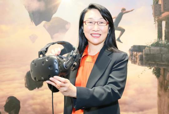 HTC 參展 MWC2017,智慧手機與虛擬實境並重