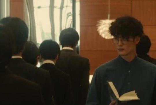 【《何者》直木賞小說直指年輕世代困境,上映即獲票房冠軍】